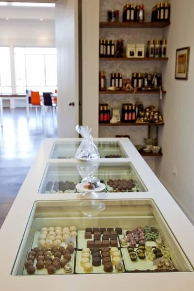 פרלינים במרכז מבקרים לשוקולד